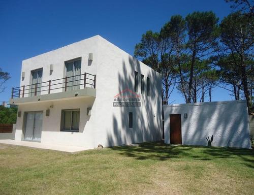 Casa En Montoya, 4 Dormitorios *- Ref: 4134