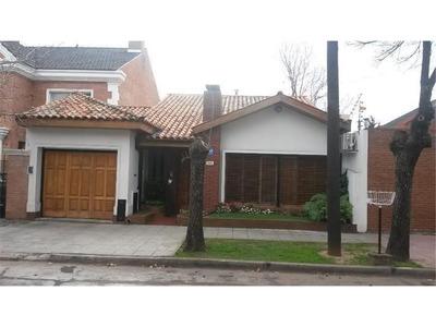 Casa 4 Ambientes Con Jardin - Vicente López