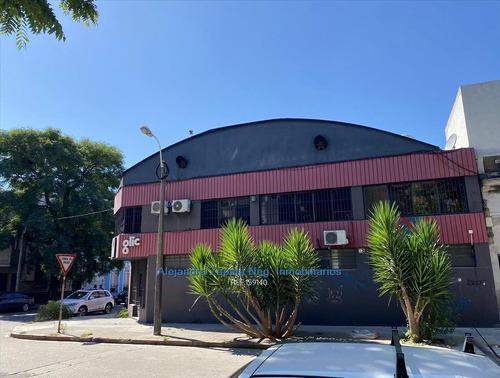 Local Comercial O Depósito En Villa Muñoz Con Doble Entrada