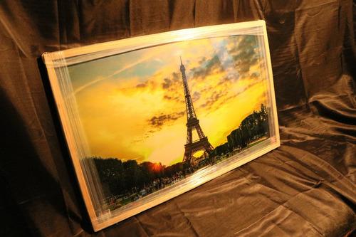Imagen 1 de 9 de Cuadro De Torre Eiffel 20 X 32 Pulgadas Con Marco De Madera