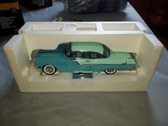 Miniatura Pontiac Star Chief 1955.escala 1.18