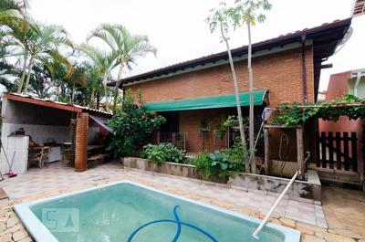 Casa Mobiliada Com 4 Dormitórios E 3 Garagens - Id: 892858265 - 158265