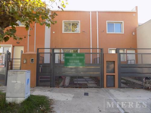 Duplex De Dos Dormitorios En Venta A Estrenar En Tigre.