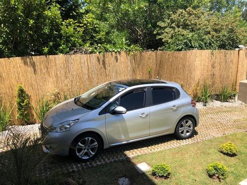 Peugeot 208 Nivel 5 C/techo Y Climatizador. Extra Full