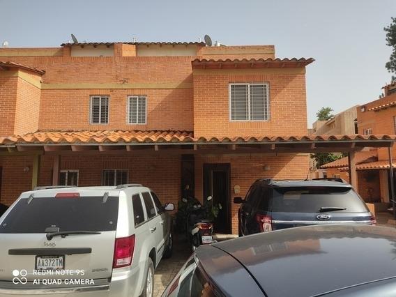 Townhouse En Venta Mañongo 191m2 Res.curimagua