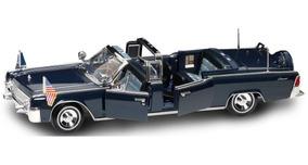 Miniatura 1961 Lincoln Limosine John Kennedy 1:24 Nova !!!