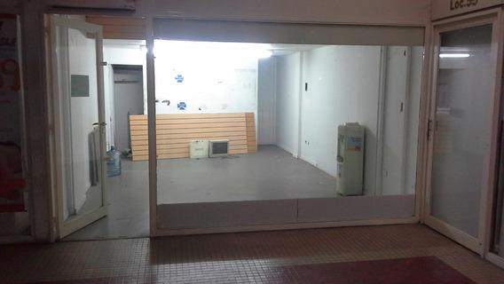 Vendo Local En Galeria En San Isidro, Zona Norte