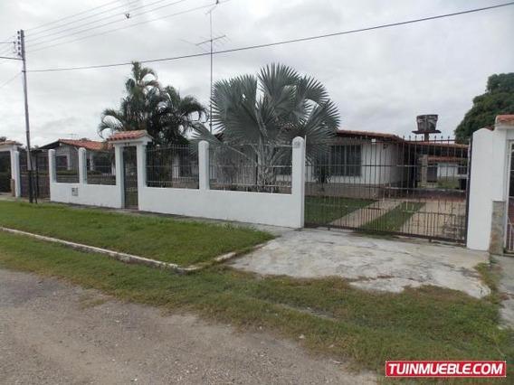 Casas En Venta Los Apamates 18-10838 Rah Samanes