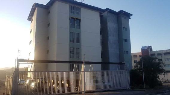Penhouse En Terrazas De Santa Ines, Edificio Pequeño.