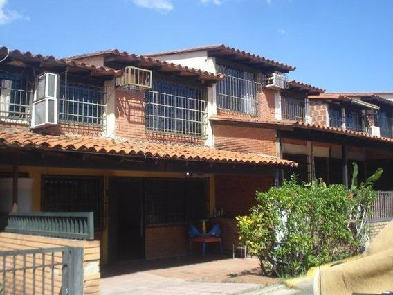 Casa En Las Rosas