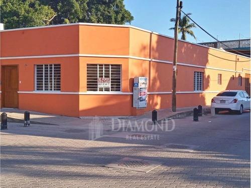 Casa En Venta En Centro Historico Remodelada Pasos De Machado Y Olas Altas