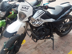 Se Vende Moto Akt 180 Xm Color Blanco
