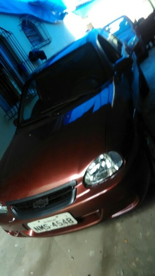 Chevrolet Classic 1.0 Flex Power 4p 2010