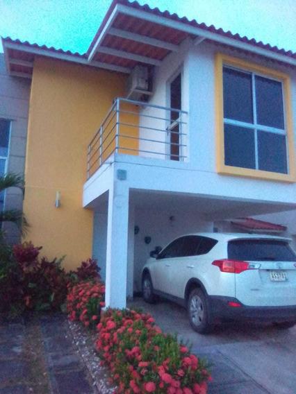 Alquilo Casa En Residencial Santillanas