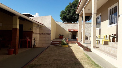 Casa Em Zé Garoto, São Gonçalo/rj De 394m² 3 Quartos À Venda Por R$ 570.000,00 - Ca215001