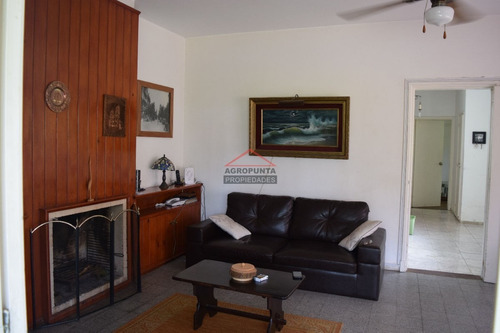 Casa En Mansa, 3 Dormitorios *- Ref: 3522
