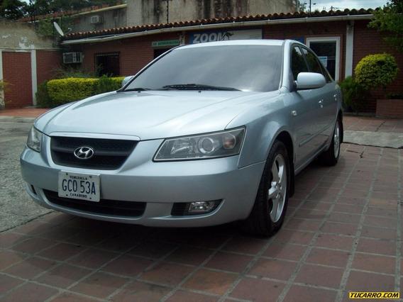 Hyundai Sonata Sedan