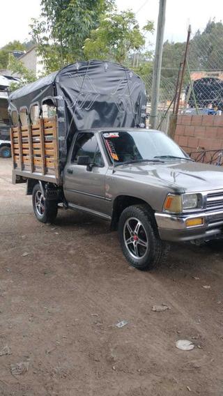 Toyota Estacas La Mas Bonita En Su Modelo.