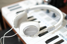 Fone Headphones Bowers & Wilkins P-3 Supra Aural (novinho)