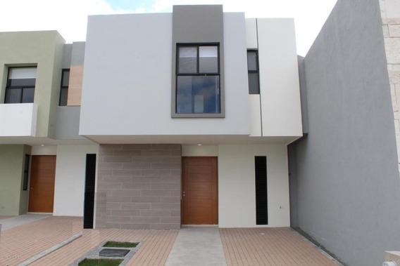 Casa En Venta En Zakia, El Marques, Rah-mx-21-970