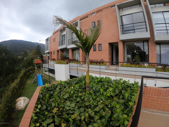 Rentahouse Vende Casa En La Calera Mls 19-526