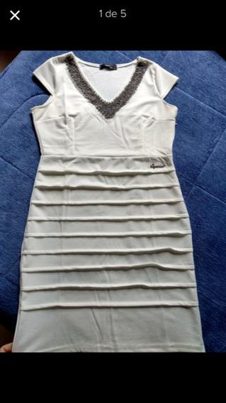 Lindo Vestido , Cor Marfim M, Com Detalhes No Decote