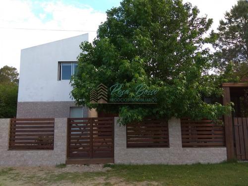Casa En La Barra, 3 Dormitorios *- Ref: 3391