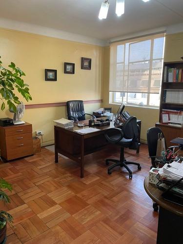 Imagen 1 de 6 de Oficina/habitacional En Paseo Bulnes