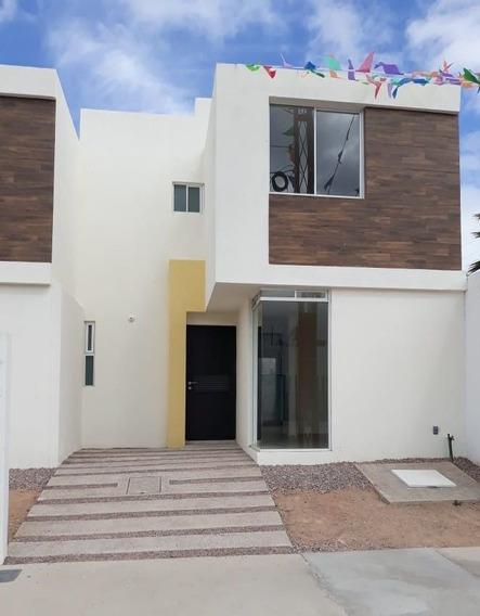 Casa En Venta En Fracc. Hacienda De Los Morales