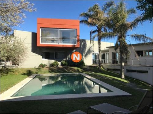 Oportunidad , Casa En Alquiler, Pinares, Punta Del Este, 4 Dormitorios.- Ref: 208365