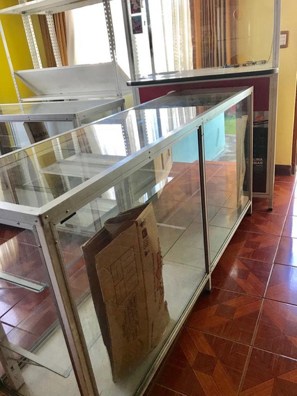 2 Urnas De 1.80cm Y Un Mueble De Caja Poco Uso