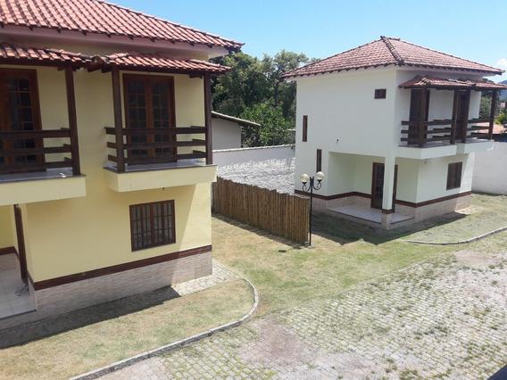Casas 2 Quartos,sala,cozinha,banheiros Local Para Carros.