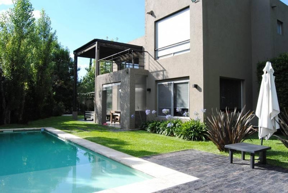 Impecable Casa En Venta En Santa Maria De Los Olivos - Venta Con Renta