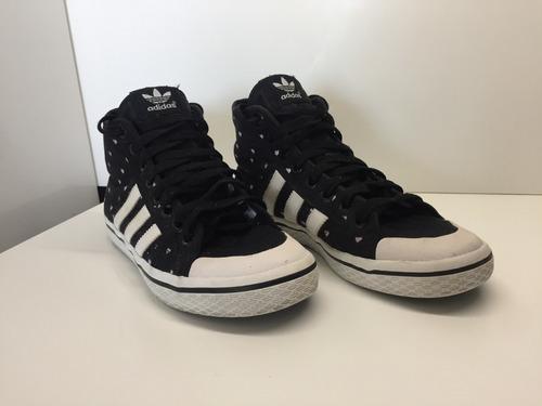 Zapatillas adidas Honey Mid Negro Con Corazones Blancos