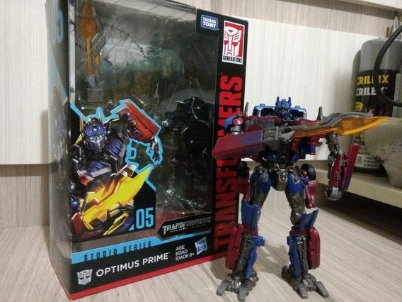 Transformers Studio Series Optimus Prime Voyager