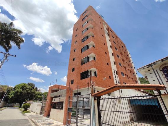 Apartamento En Venta Urb. Los Caobos, Maracay 20-25011 Ejc
