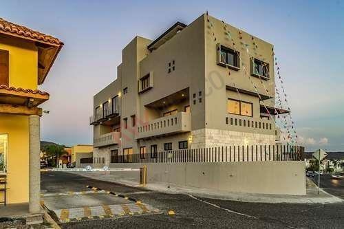 Venta De Departamento Exclusivo Con 3 Recámaras Ubicado En Altavista Elite, Juriquilla