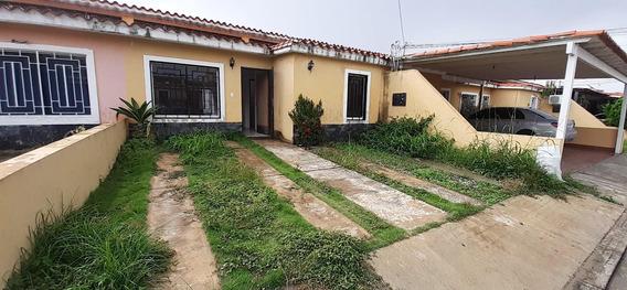 Casa En Alquiler La Mora Cabudare Lara 20-21451