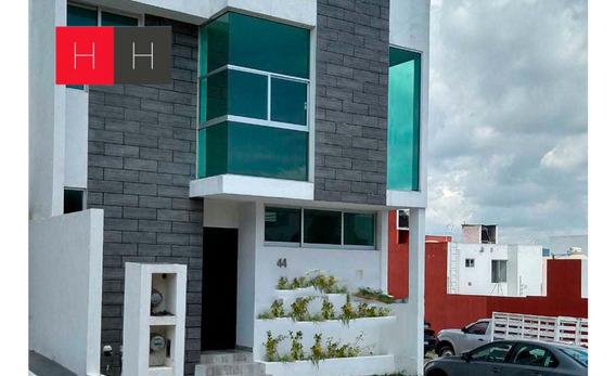 Casa Nueva En Venta Lomas Del Valle En Esquina Con Jardín