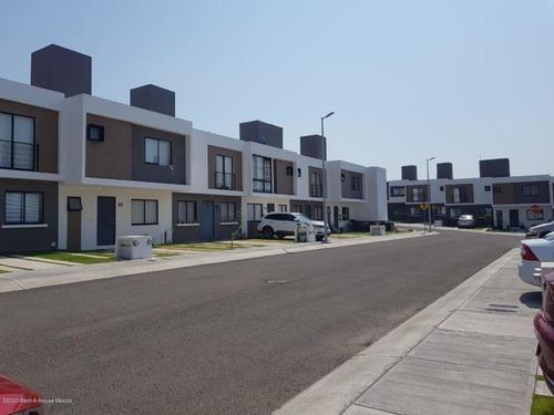 Casa En Renta En Zakia, El Marques, Rah-mx-20-2431