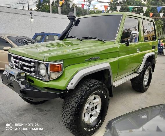 Toyota Macho Aniversario 065/300