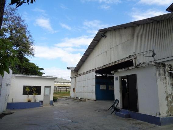 Galpon. 1100 M2 + Terreno 4000m2 +oficinas 150m2+ 152 Áreas