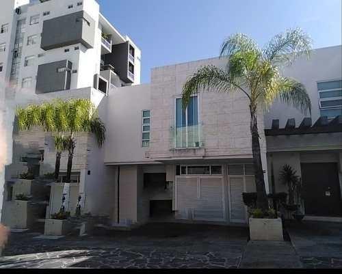 Excelente Residencia En Renta En Lomas Altas Dentro De Coto