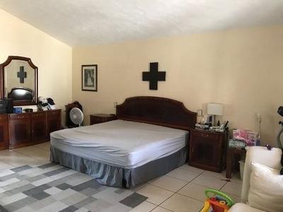 Casa En Venta En Valle Real Zapopan