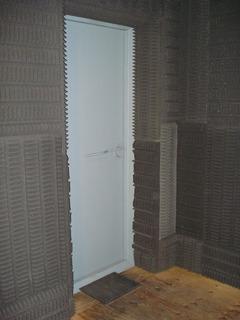 Puerta Estudio Mayor (sala Uno) Acero Triple Marco-acustica