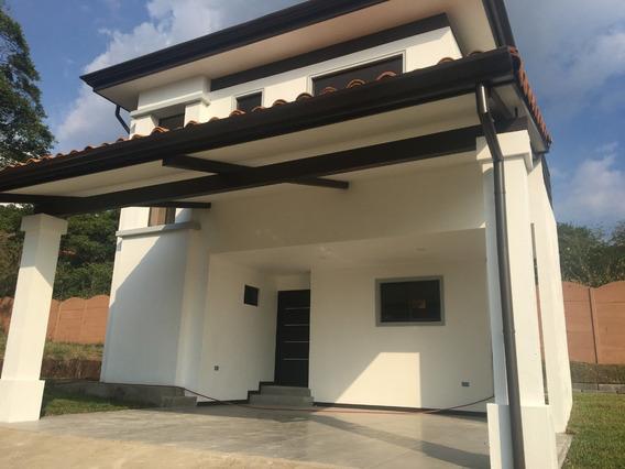 Se Vende Casa Para Estrenar En Condominio En La Guácima