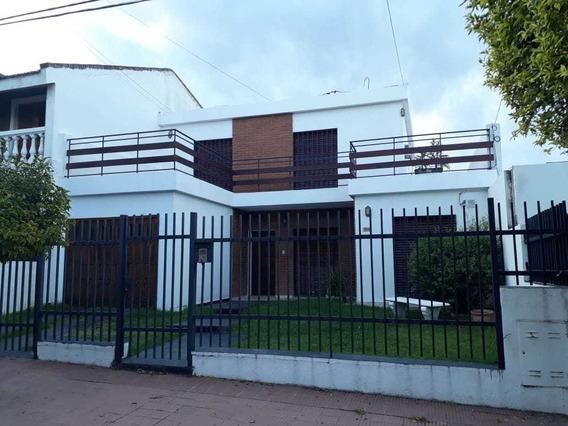 Hermosa Casa En Barrio Maipu!