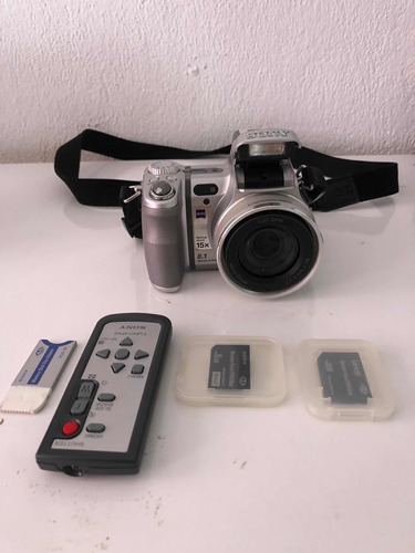Imagem 1 de 6 de Sony H9 Digital Still Câmera 8.1 Mega Pixels