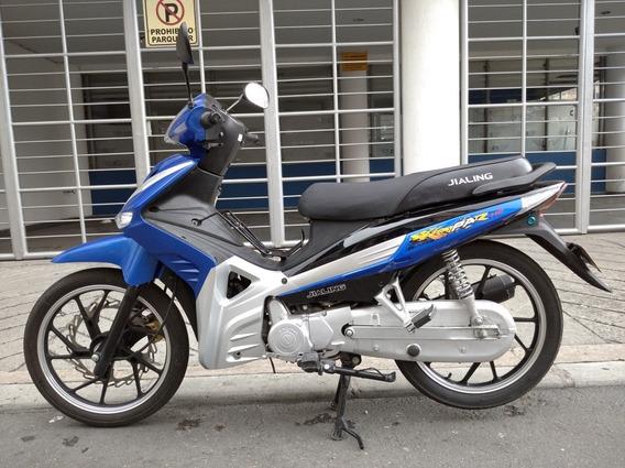 Moto Jialing 110, Como Nueva!!! Barata, $2