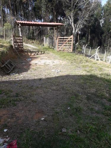Imagem 1 de 11 de Terreno Em Região De Chácaras, Com Casa Construída